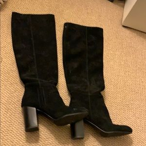 tall black boots with heel